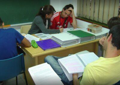 alumnos en aulas